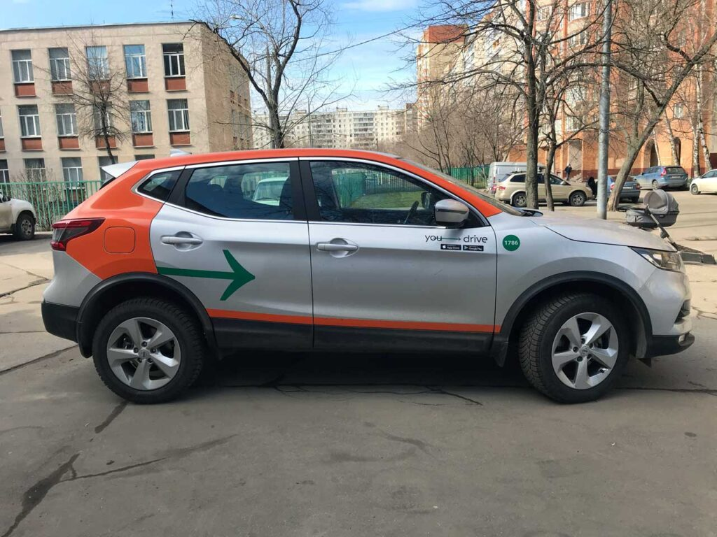 Nissan Qashqai от каршеринга YouDrive в Санкт-Петербурге