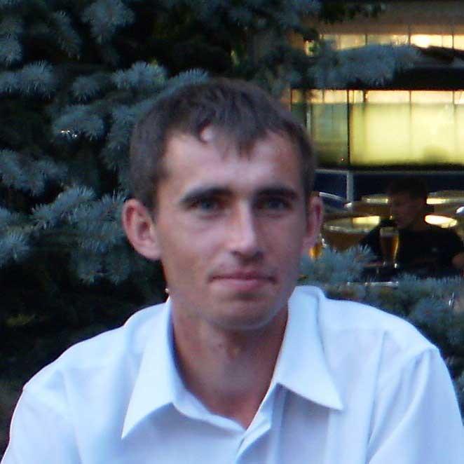 Максим Лавров